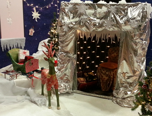 Make your own Santa's Grotto - click here